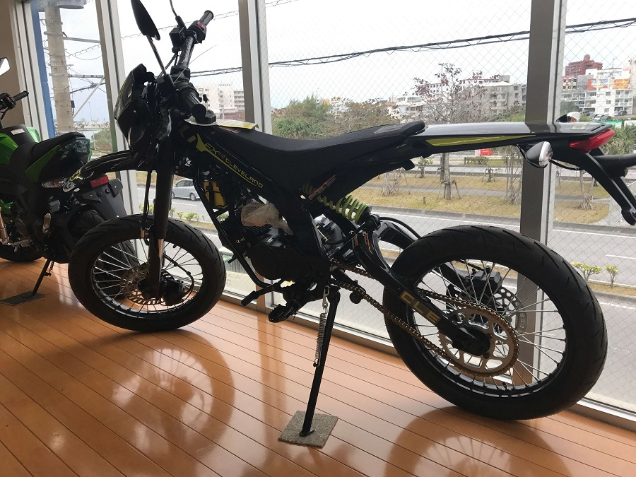 細いバイク